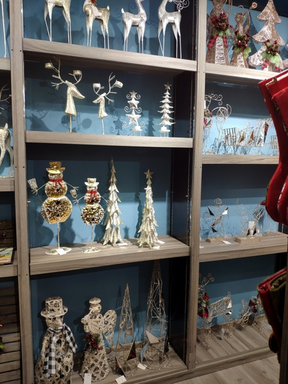 9172 BoYang Christmas Crafts Showroom 010