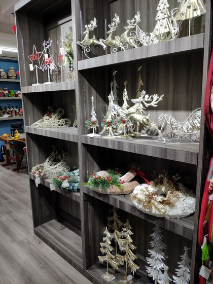 9172 BoYang Christmas Crafts Showroom 011