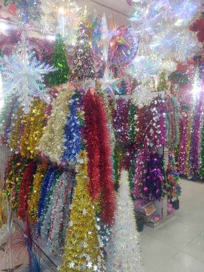 9180 YINGYUE Christmas Garlands Factory Wholesale Supplier in Yiwu China. Showroom 007