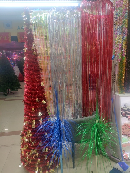 9180 YINGYUE Christmas Garlands Factory Wholesale Supplier in Yiwu China. Showroom 009