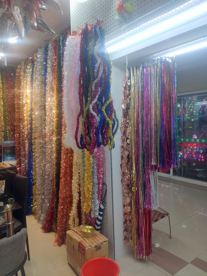 9180 YINGYUE Christmas Garlands Factory Wholesale Supplier in Yiwu China. Showroom 010