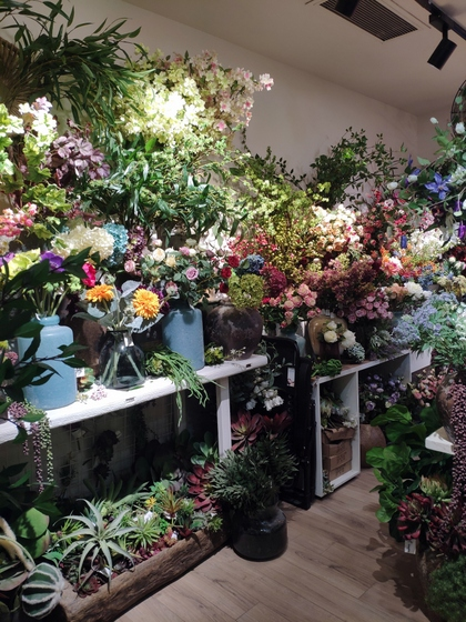 9190 HanLin Artificial Flowers Showroom 002