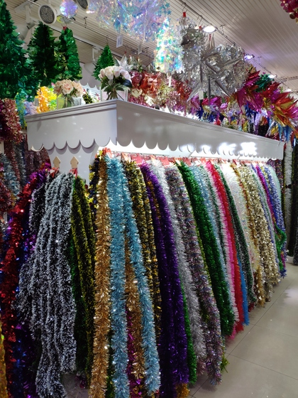9195 HuanDi Festival Hanging Stripes Showroom 002