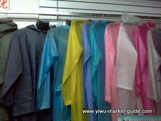 cheap adult raincoats wholesale in Yiwu market