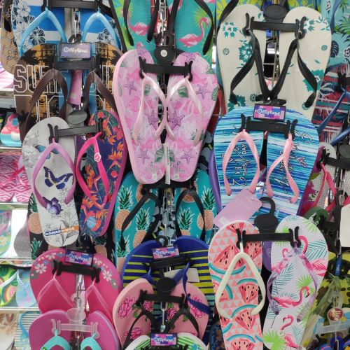 Dollar store slippers wholesale in Yiwu market