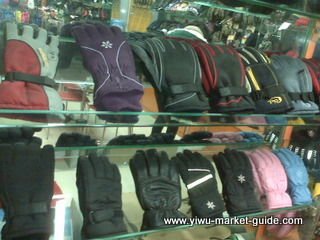 ski gloves wholesale