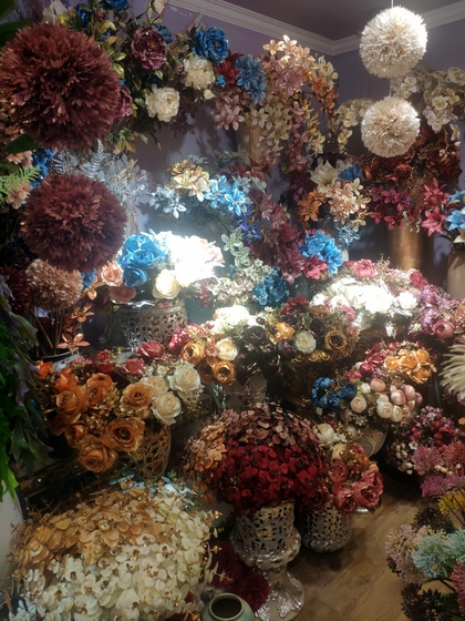 9101 YIZHENG Artificial Flowers & Plants wholesale supplier showroom 004