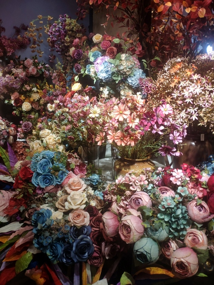 9101 YIZHENG Artificial Flowers & Plants wholesale supplier showroom 012