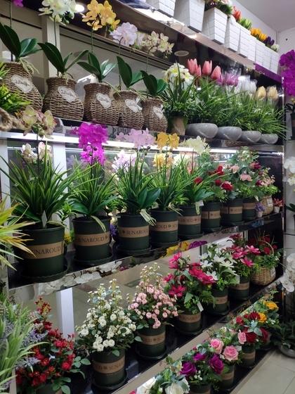 9104 SIHAI Artificial Flowers & Plants showroom 007