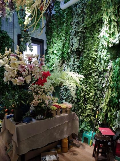 9105 OuXi Plastic Flowers Showroom 007
