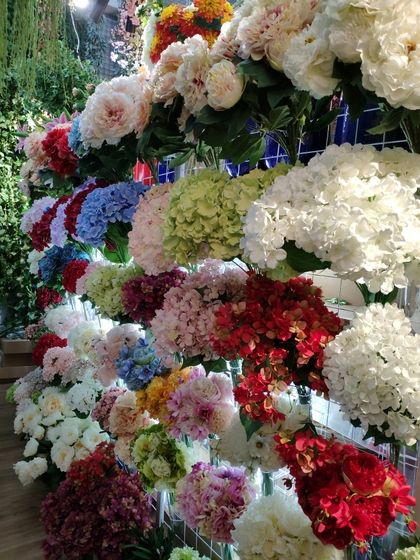 9105 OuXi Plastic Flowers Showroom 008