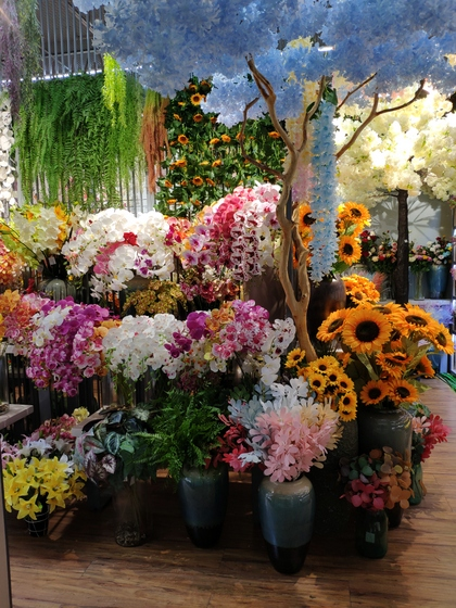 9107 ShunChang Plastic Flowers Store Front Showroom 001