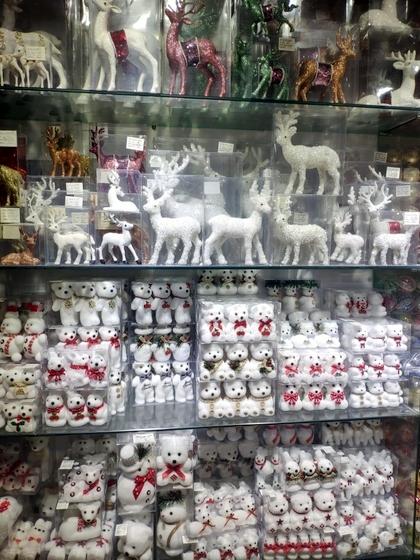 9112 RONGFU Christmas Items Showroom 006
