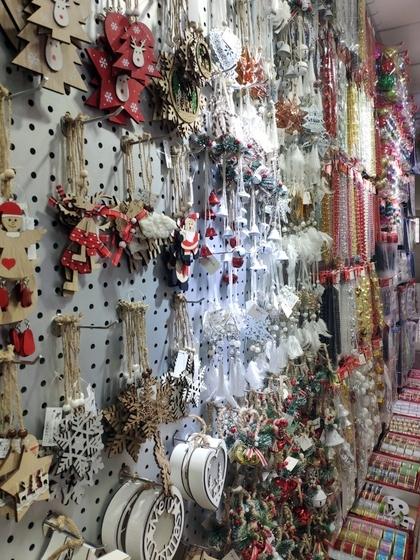 9112 RONGFU Christmas Items Showroom 008