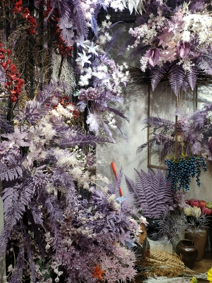 9115 JUNTING Fake Flowers and Plants Showroom 006