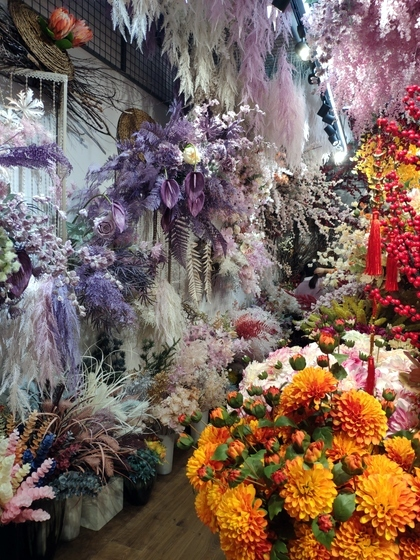 9115 JUNTING Fake Flowers and Plants Showroom 007