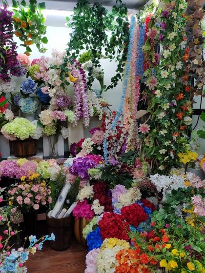 9119 HongShuLin Man Made Flowers Showroom 005