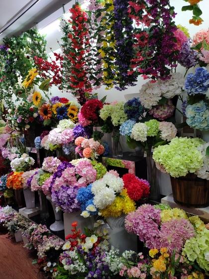 9119 HongShuLin Man Made Flowers Showroom 006