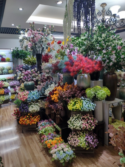 9129 HONGJINGSHU Artificial Flowers Showroom 003
