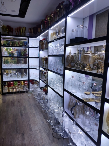 9133 JingBo Glasswar & Decorations Showroom 004