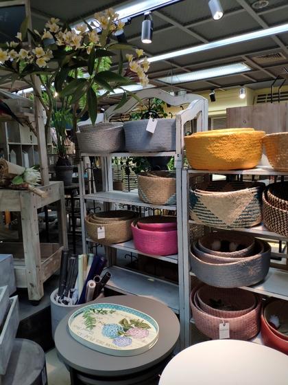9135 Rich Flower Package & Accessories Showroom 001