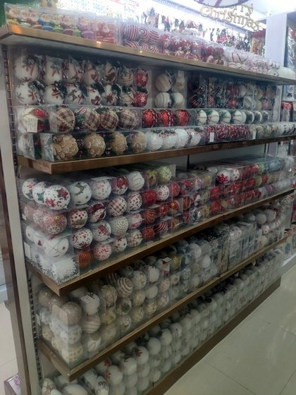 9136 SHZM Home Decor Giftware Factory Wholesale Supplier in Yiwu China. Showroom 023