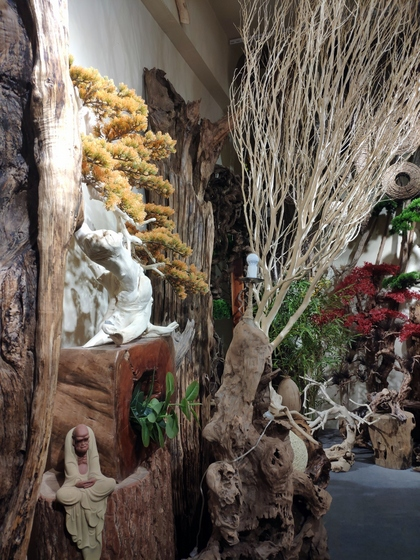 9141 SHAMU Pine Trees Carving Showroom 004