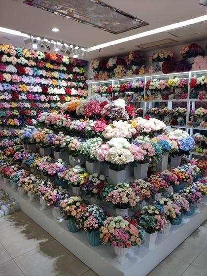 9159 LiLi Flowers Showroom 002