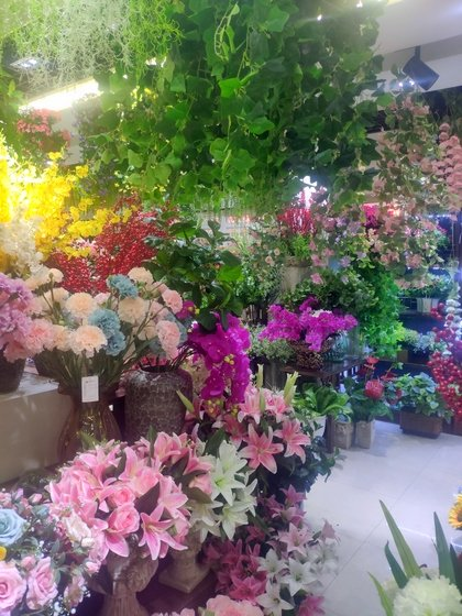 9167 TIANYUAN Artificial Floral Factory Wholesale Supplier Yiwu China. Showroom  003