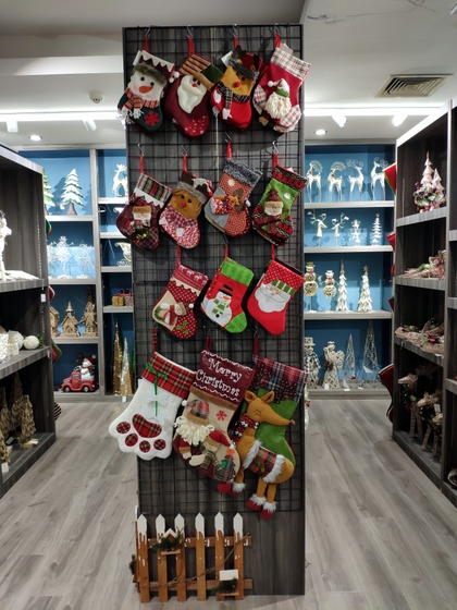 9172 BoYang Christmas Crafts Showroom 002