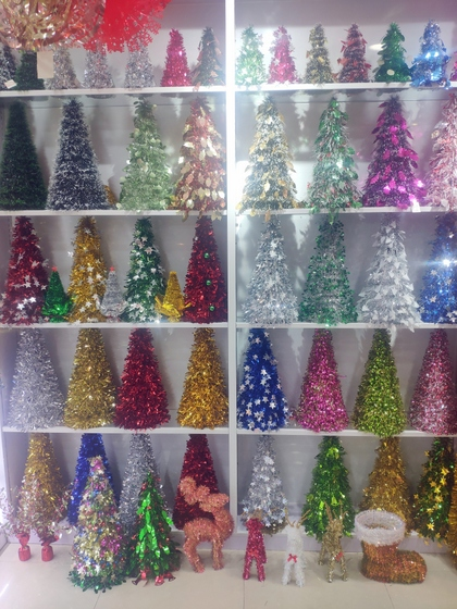 9180 YINGYUE Christmas Garlands Factory Wholesale Supplier in Yiwu China. Showroom 003