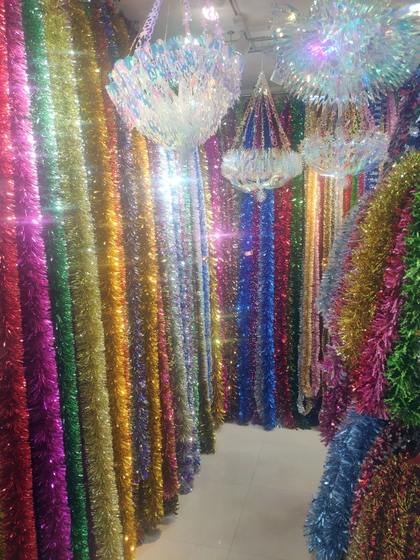 9180 YINGYUE Christmas Garlands Factory Wholesale Supplier in Yiwu China. Showroom 004