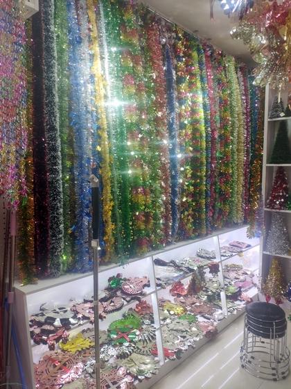 9180 YINGYUE Christmas Garlands Factory Wholesale Supplier in Yiwu China. Showroom 008