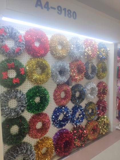 9180 YINGYUE Christmas Garlands Factory Wholesale Supplier in Yiwu China. Showroom 012