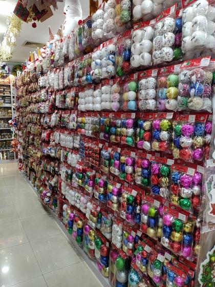 9185 XingDa Christmas Crafts Showroom 005