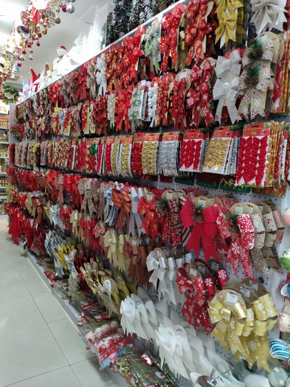 9185 XingDa Christmas Crafts Showroom 006