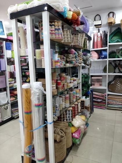 9193 Flower Package Supplies & Accessories Showroom 006