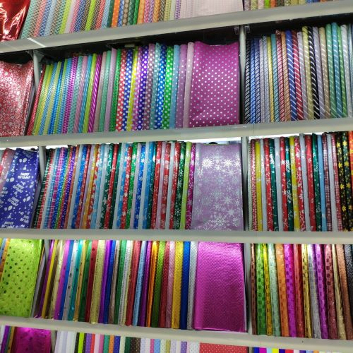 Dollar store gift wrap paper wholesale in Yiwu market